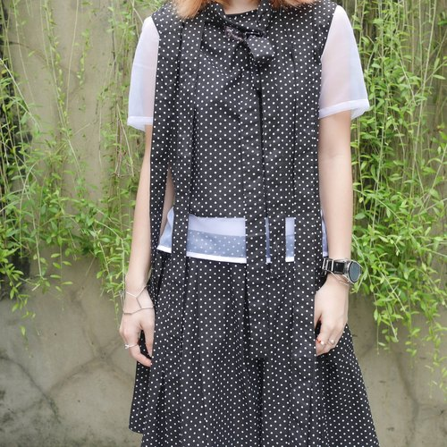 丝带多用途圆点衬衫 Polka Dot Ribbon Patched Sheer Blouse