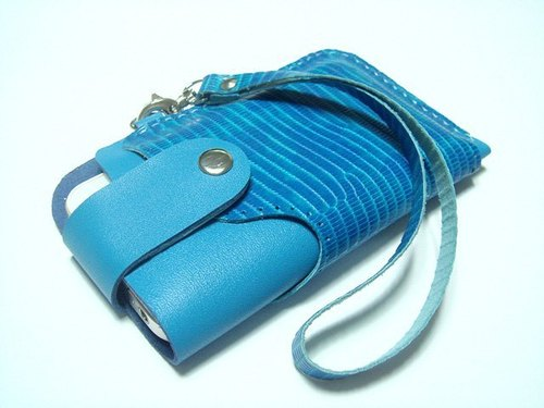 {Leatherprince 手工皮革} 台湾MIT 蓝色  iPhone 纯手工牛皮保护套 / iPhone 4 leather case with strap ( Blue Lizard Print )