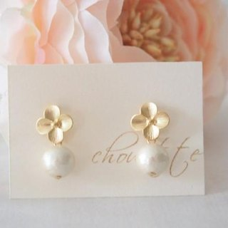 Matt Gold Flower Earrings
