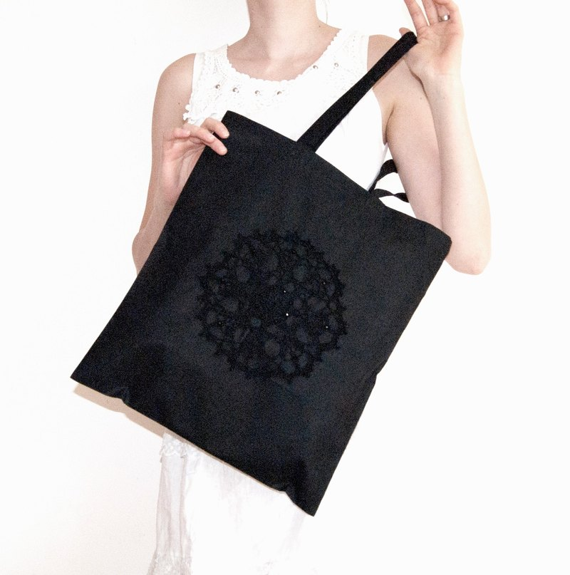 Black Organic Cotton Carry-All Shopping Bag – Large Eco-Friendly Market Bag with Beaded Crochet Ornament – Black Cotton Shopper Bag