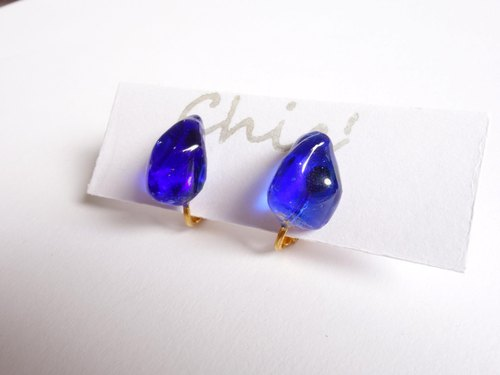 Chic '[Ryukyu glass earrings Blue] Clip Earring