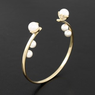 Pearl Bangle - gold