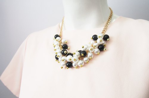 statement necklace - bubble gum necklace - wedding necklace - white black necklace - black necklace - bridesmaid necklace.