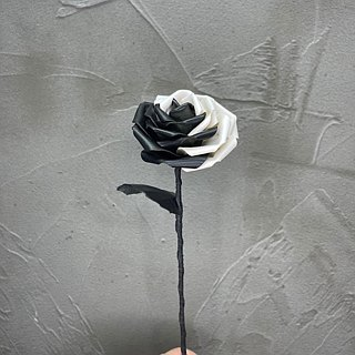 太极皮革玫瑰 Black & White Leather Rose