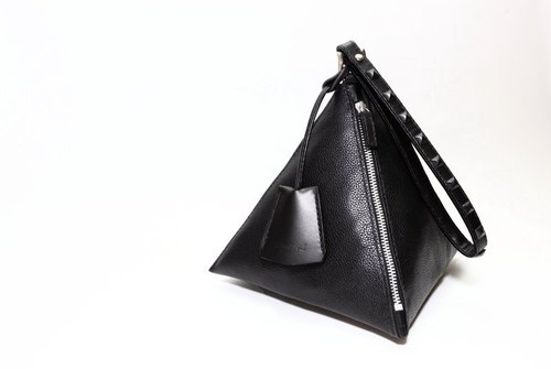 The Black Rivet - BAG