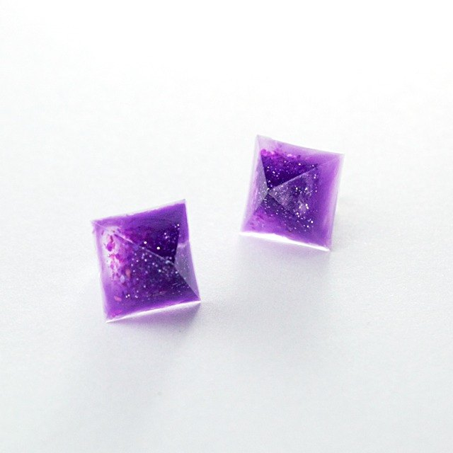 Pyramid earrings (blueberry)