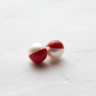 Color lacquer of two-tone Pearl Earrings (Red)