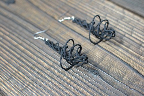 Earrings SPIRO Tornado / black (Pierce pair)
