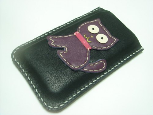 {Leatherprince 手工皮革} 台湾MIT 黑色 小猫 iPhone 纯手工牛皮保护套 / MoMo the Cat iPhone Leather Case ( Black and Purple )