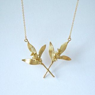 Double necklace with osmanthus