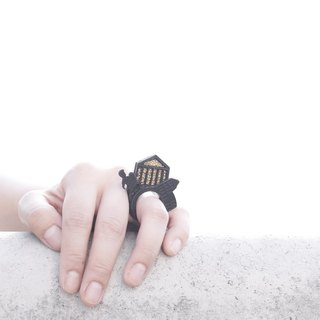 SUE BI DO WA - 手工制作皮革并合手织戒指-ROMA 100% handmade leather mix with yarn Ring(ROMA)