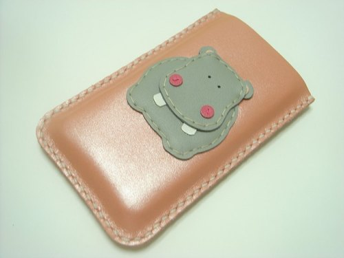 { Leatherprince 手工皮革 } 台湾MIT 粉红色 可爱 河马 iPhone 纯手工牛皮保护套 / Hugo the Hippo iPhone leather case ( Metallic pink )