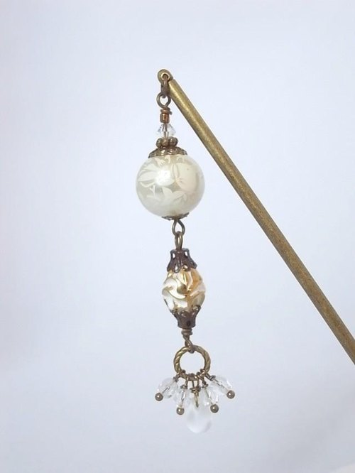 Lily of the valley and white pearl of ivy pattern hairpin