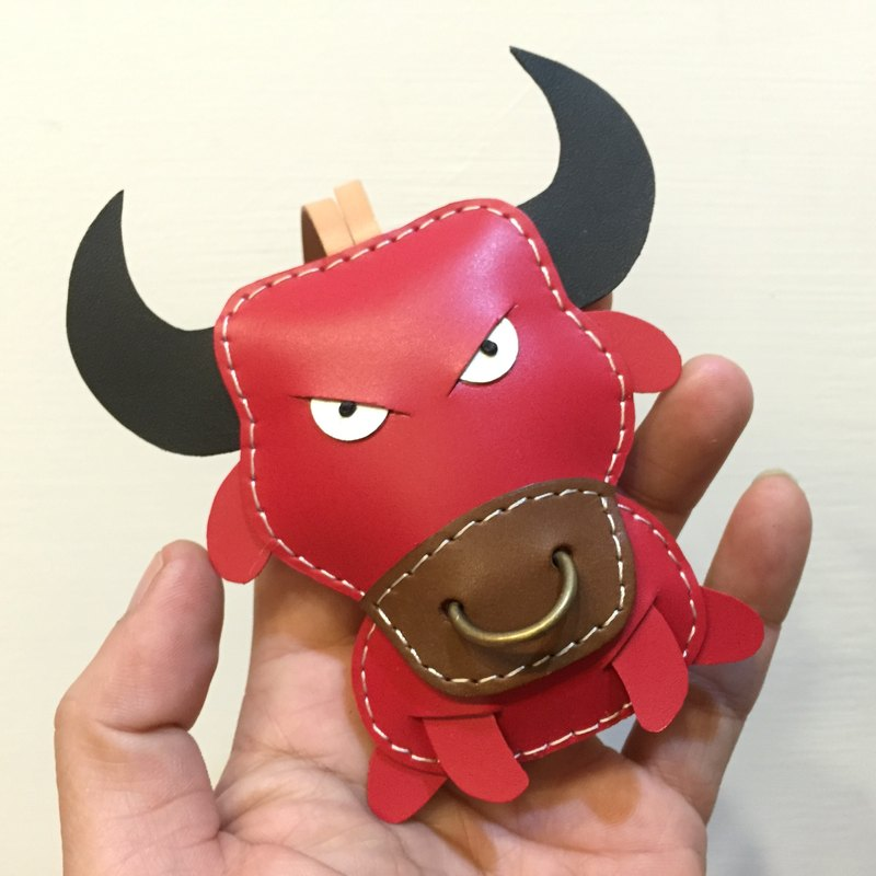 {Leatherprince 手工皮革} 台湾MIT 红色 可爱 斗牛 纯手工缝制 皮革 吊饰 / Paul the Bull leather charm in Red(Large size / 大尺寸 )