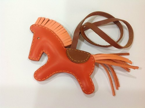 {Leatherprince 手工皮革} 台湾MIT 橘色 可爱 大马 纯手工缝制 皮革 吊饰 / Beon the Horse Leather Charm with leather strap ( Orange )
