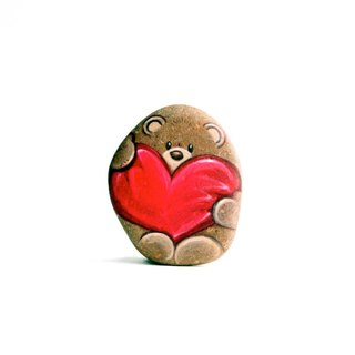 Bear with heart (Stone painting)