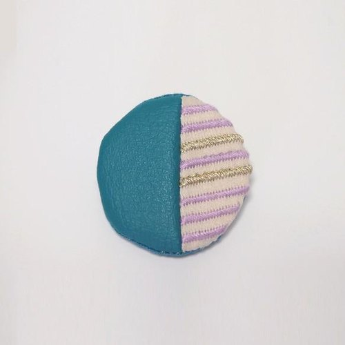 Round brooch No. 002 of stripe embroidery [MTO]