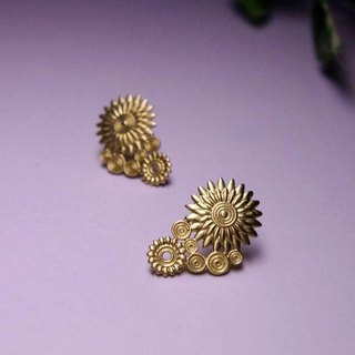 Brass stud earrings SOL (Sol)