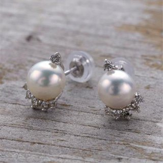 [Pierce] K10WG + Diamond + freshwater pearl of Petit jewelry earrings / FirstPr02