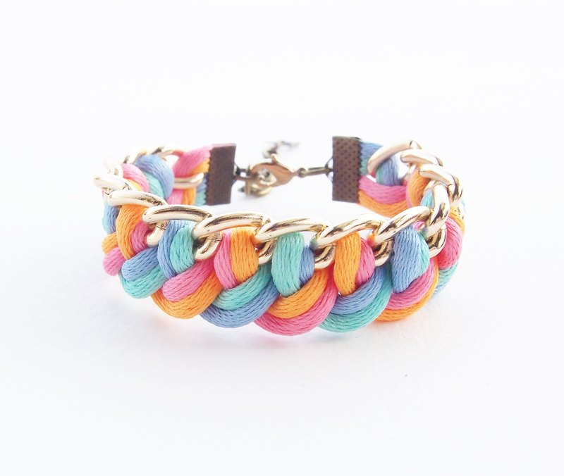 Blue / mint / orange / pink side the chain.