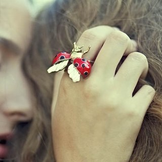 ladybug ring in brass with enamel color