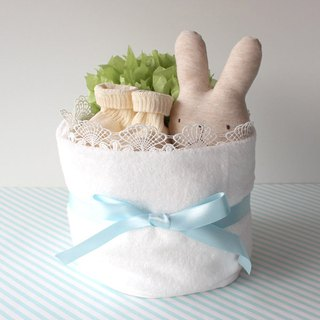 Diaper cake No.5 For girls and boys With toys & socks made in Japan Imabari