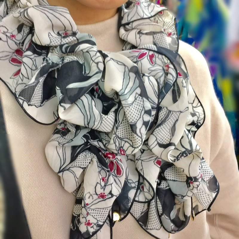 Ballett Kyoto's bullet monotone floral shirring scarf Soft chiffon fabric hard to become wrinkle