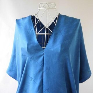 Indigo dyed leaves · 100% silk tunic