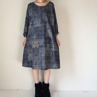 Glen check and dot pattern long-sleeved one-piece dress Flannel dark gray