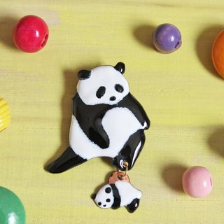 Parent and child panda's enamel brooch
