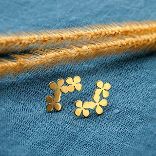Tiny clover brass stud earrings (hand made)