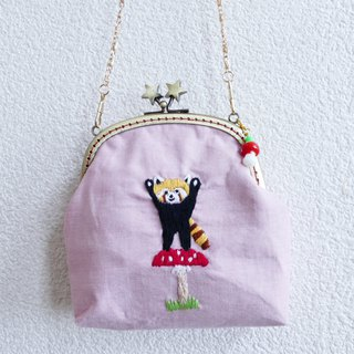 Embroidery handjob handbag Lesser panda threatening on mushrooms Pink