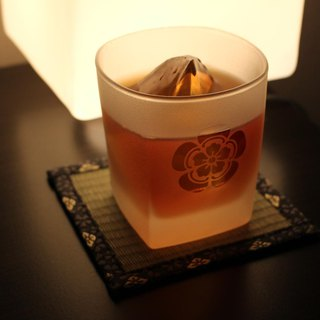 Oda kimura crest and rock glass