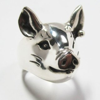 Pig in pearls RING