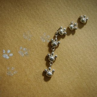 comewithmeow *****  ( footstep paw cat silver earrings 貓 猫 足迹 肉垫 銀 穿孔耳环 )