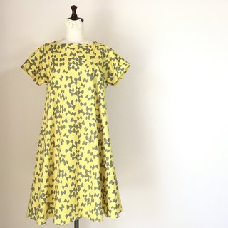 Butterfly pattern flare one piece dress yellow