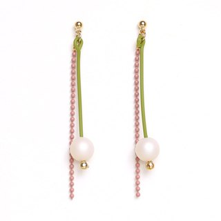 matte drop - yellow-green × pink beads earrings / earrings