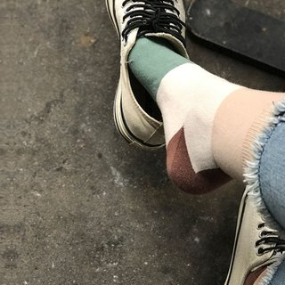 socks_kahlua_milk/ irregular / socks  / grid