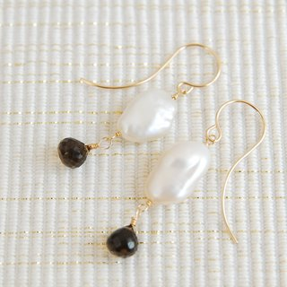 Pearl and stone earrings like clouds (14 kgf)