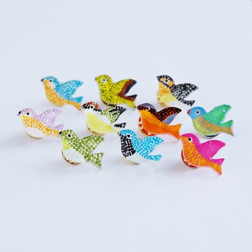 Hand-painted pin badge | Birds