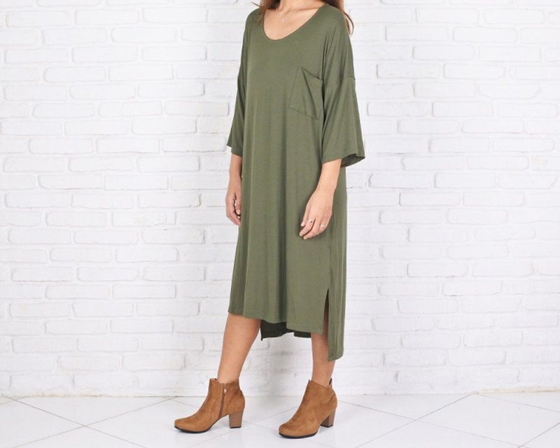 Dolman sleeve one piece dress with thick type material