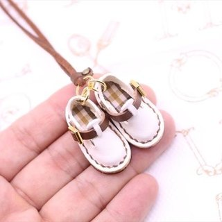 Small leather Sabo shoes necklace | Snow White
