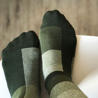 socks_olivetree/ irregular / socks / stripes
