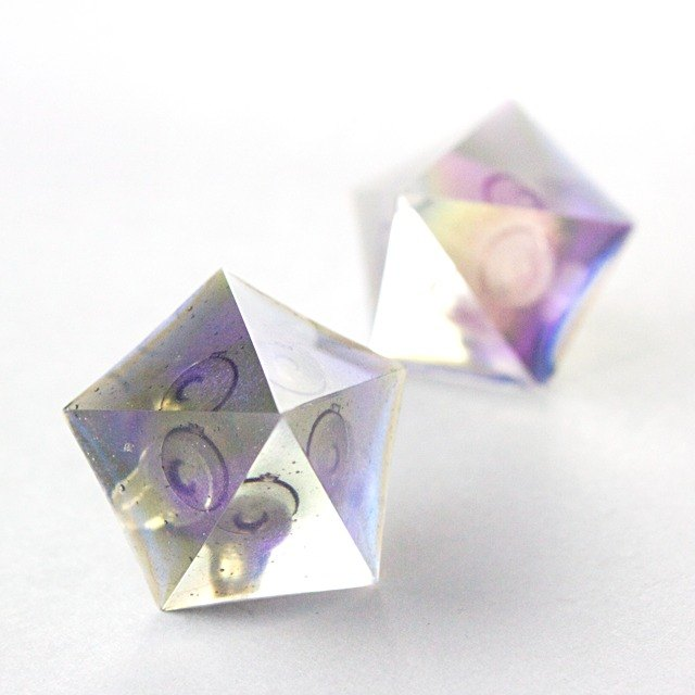 Pentagon earrings (ultraviolet)
