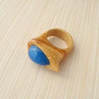 Wooden inlaid ring with blue chalcedony