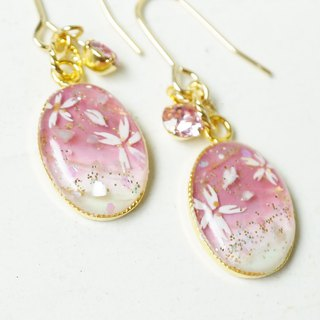 Hand-painted / cherry blossoms and Swarovski earrings / earrings