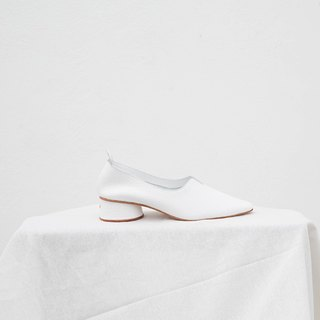 0.3 THE ARCH HEEL / White