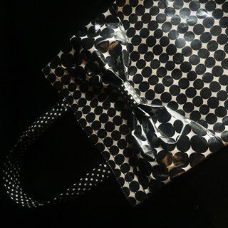 one-of-a-kind flat totebag Spin Off  black&white bots camouflage ribbon PVC