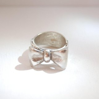 Butterfly knotted ribbon ring [SILVER 950]
