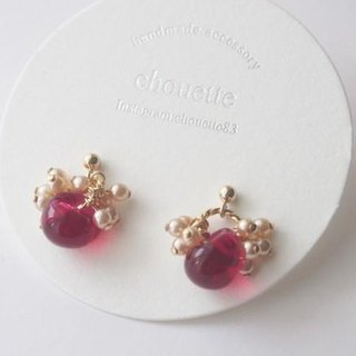 【14kgf】 Pearl Glass Beads Pierced Ruby